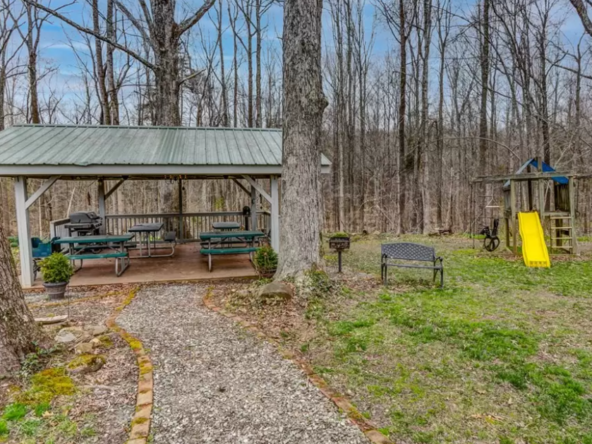 southern-virginia-historic-homes-for-sale-24-592x444