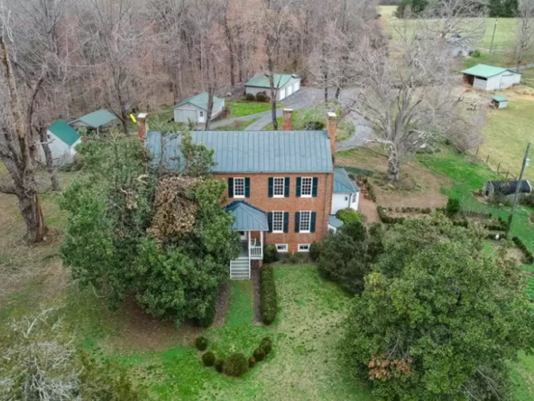 southern-virginia-historic-homes-for-sale-3-592x444